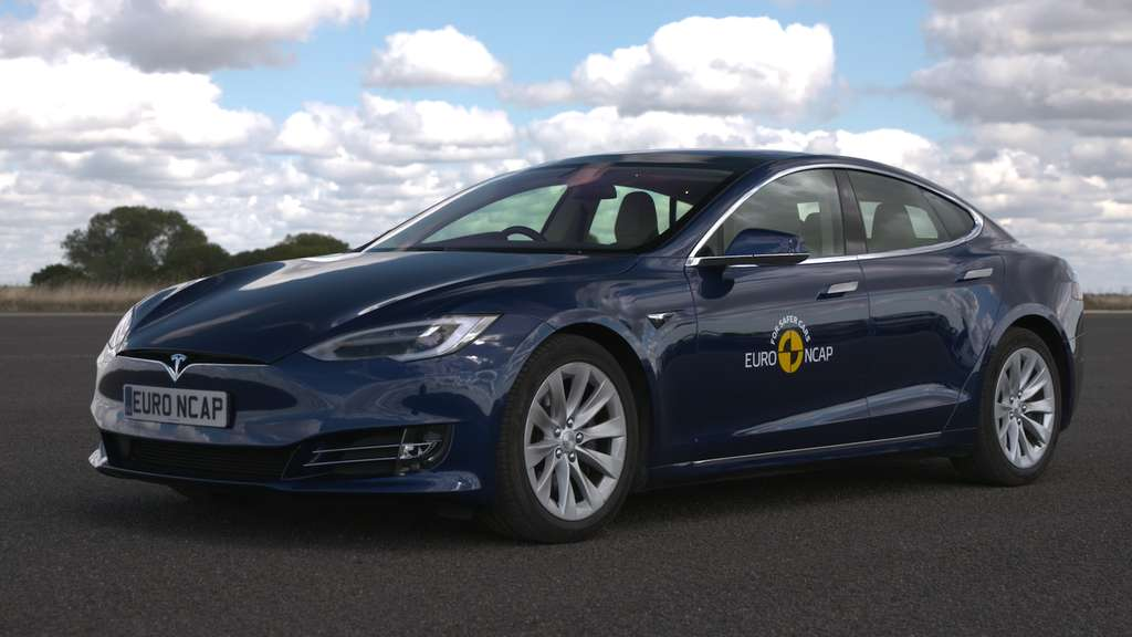 La Tesla Model S offre un haut niveau d'autonomie, ce qui fait perdre le sentiment de contrôle du véhicule. © Euro NCAP