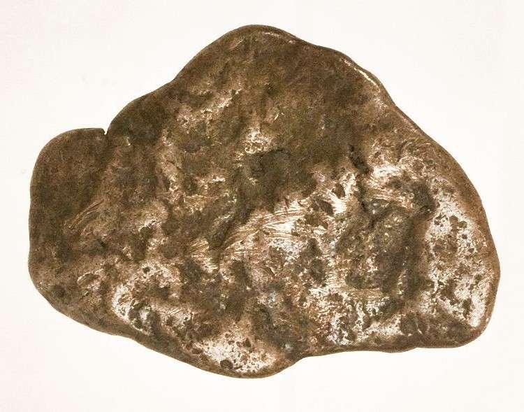 Un amalgame, un minéral particulièrement rare que l'on ne trouve que dans quatre endroits sur Terre : deux au Chili et deux au Canada. © Rob Lavinsky, Wikipédia, CC by-sa 3.0