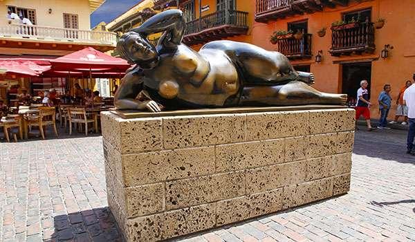 Statue de Botero devant l'église de Santo Domingo. © Antoine, tous droits réservés