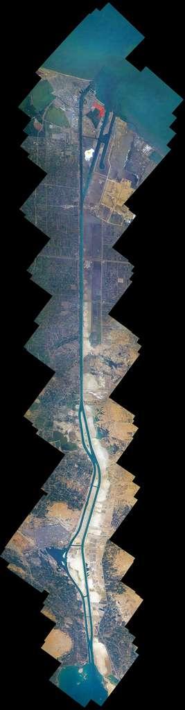 Ce grand collage montre le canal de Suez. Il est composé de 100 images cartographiées ensemble. © ESA/Nasa, Thomas Pesquet/A. Conigli