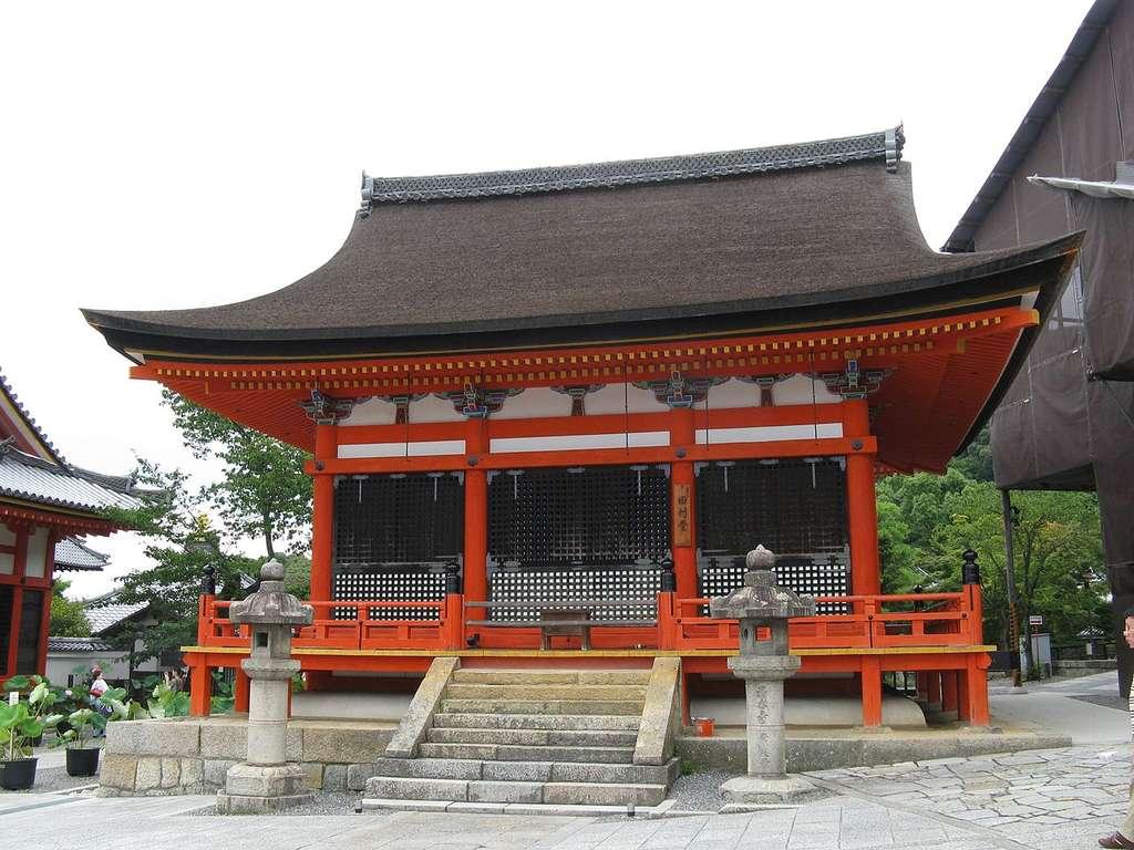 L'un des temples de l'ensemble Kiyomizu, à Kyoto. © Kenpei, cc by sa 3.0