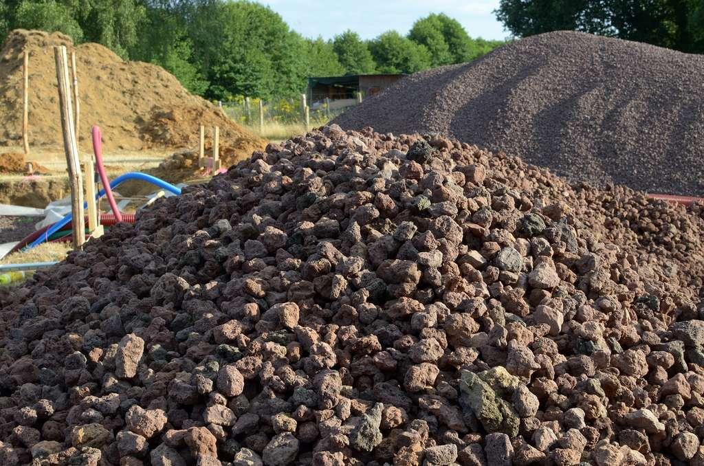 La pouzzolane est utilisée comme liant dans la fabrication du ciment. © Luk~commonswiki