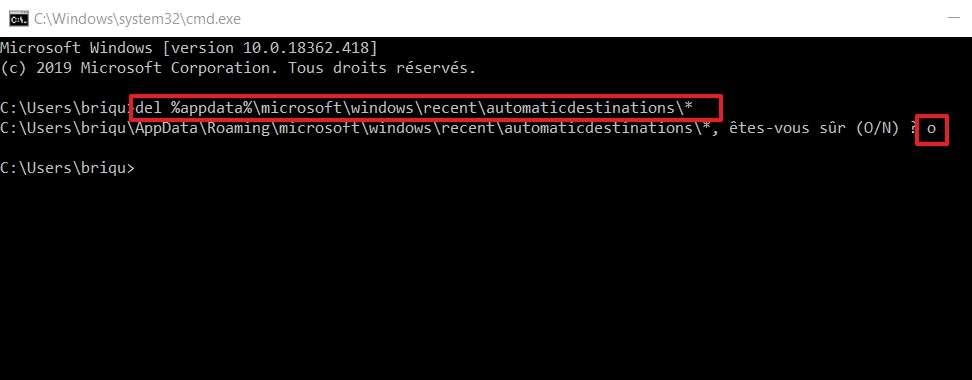 La ligne de commande ci-dessus restaure les paramètres par défaut de l'Accès rapide. © Microsoft