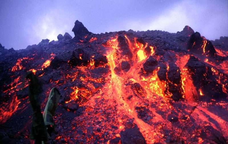 Coulée de lave lors de l'éruption du mont Cameroun