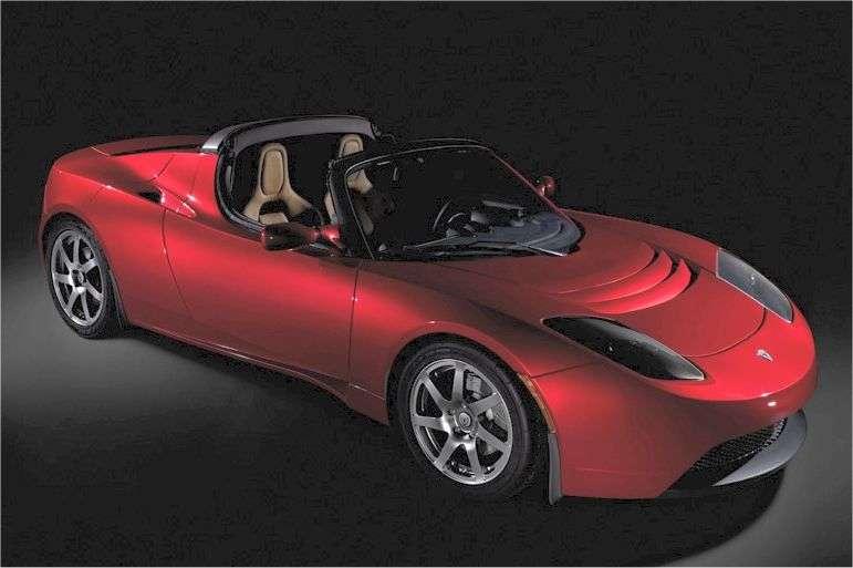 Le succès du Roadster Tesla (ici en photo) a permis de lancer la Model S en 2012. © Tesla Motors