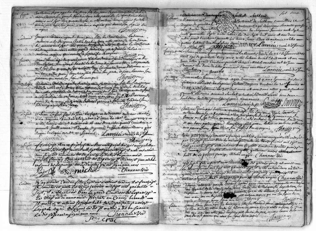 Extrait du registre des décès de la paroisse Saint-Sernin de Toulouse, année 1747-1748 ; série Registres paroissiaux, cote GG674, Archives municipales de Toulouse. © Direction des Archives municipales de Toulouse