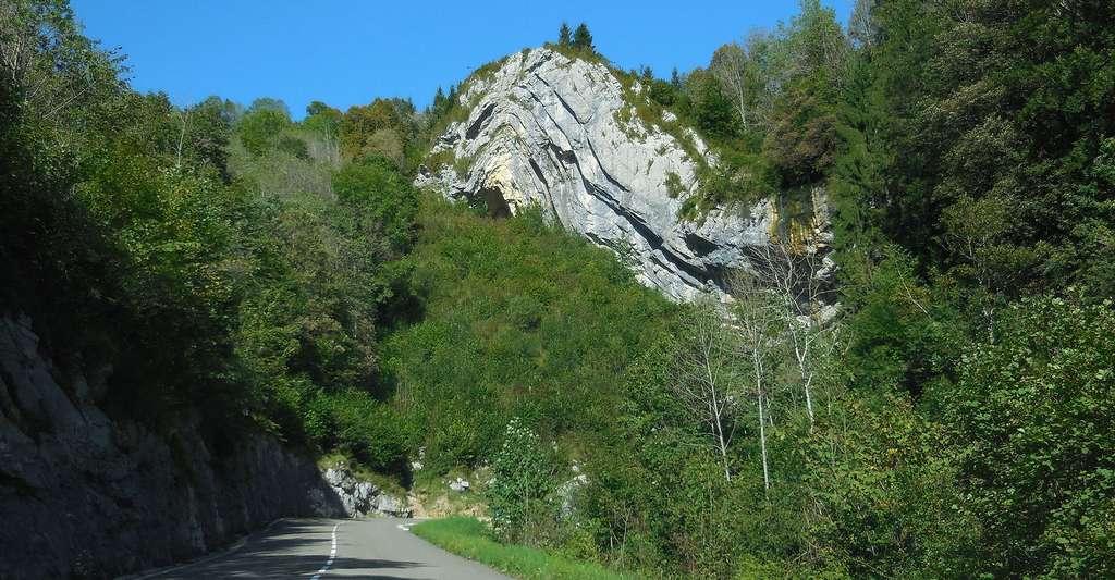L'histoire géologique du Jura est riche. Ici, le Chapeau de Gendarme, sur les hauteurs de Saint-Claude. © KlausFoehl, CC by-sa 3.0