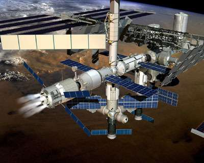 Pendant la durée de l'arrimage, les moteurs de l'ATV seront régulièrement allumés pour maintenir la station en orbite. (Crédit : ESA)