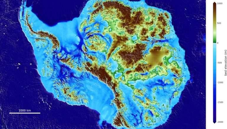 La carte produite par les chercheurs de l'Université de Californie qui détaille la surface accidentée du continent de glace. © Mathieu Morlighem, UCI