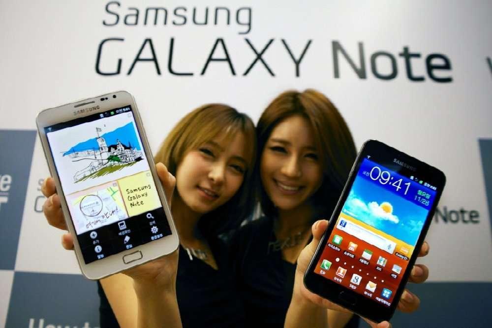Les performances des téléphones mobiles multiplient les usages et les occasions de se connecter au réseau Internet. © Samsung