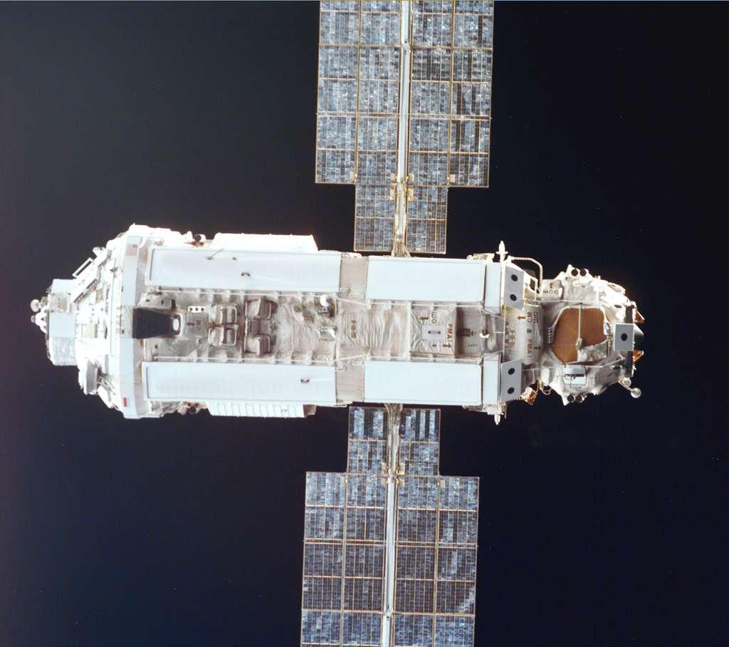 Décembre 1998 : Zarya le premier module de l'ISS