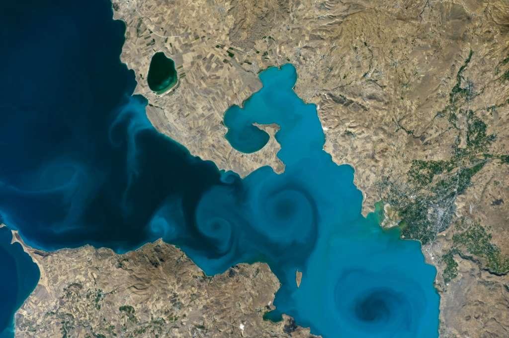 Le lac de Van en Turquie, 2016. © Nasa Earth Observatory