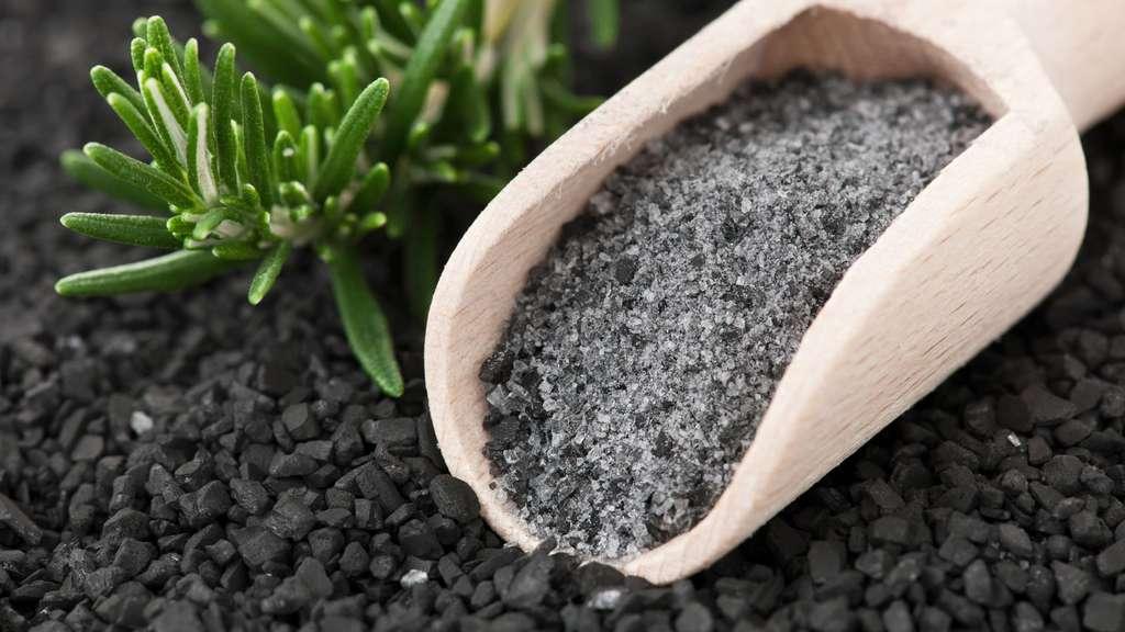 De la roche volcanique pour un sel noir