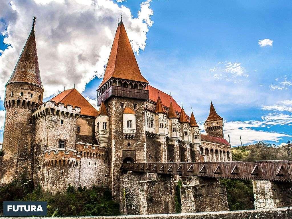 Château gothique de Hunedoara en Transylvanie
