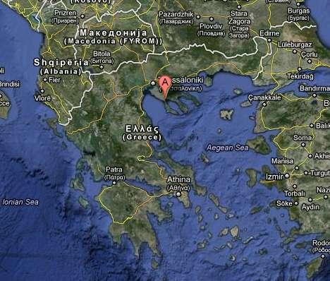 La cité antique de Potidée (indiquée par la puce rouge) se trouve au sud de Thessalonique, dans la région de la Chalcidique, en Thrace. Le golfe du Thermaïque se situe à sa gauche. © Google Maps