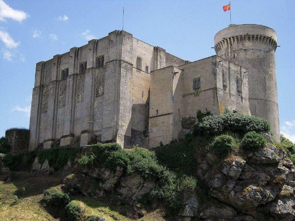 Château de Falaise (Calvados), lieu de naissance de Guillaume, fils du duc de Normandie. © Wikimedia Commons, domaine public.