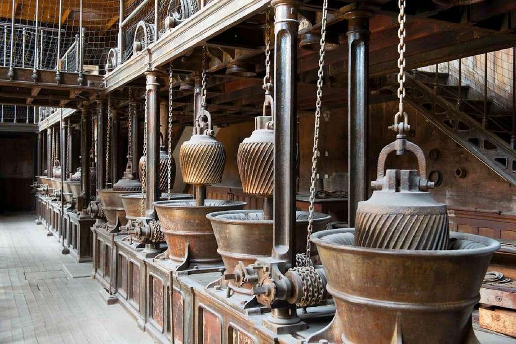 Ancienne manufacture des tabacs de Morlaix, salle des moulins à râper le tabac. Morlaix, Bretagne. © Fondation du Patrimoine.