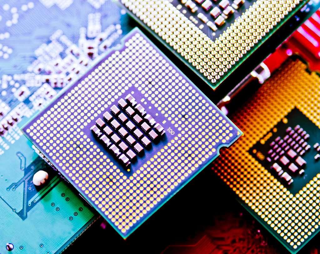 La fréquence d'horloge est la vitesse à laquelle une micropuce ou un CPU pour Central Processing Unit fonctionne. © singkham, Adobe Stock