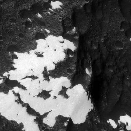 La région de transition précédente mais à plus de 9 000 kilomètres Crédit : NASA/JPL/Space Science Institute
