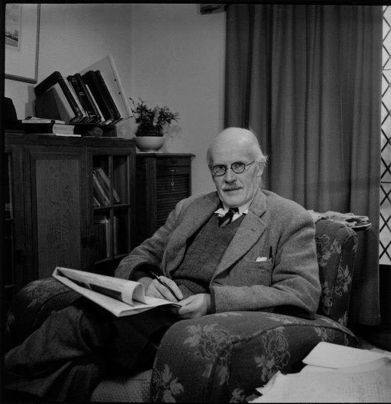 Le génial géophysicien, mathématicien et astronome Harold Jeffreys. © Gonville & Caius College, Cambridge
