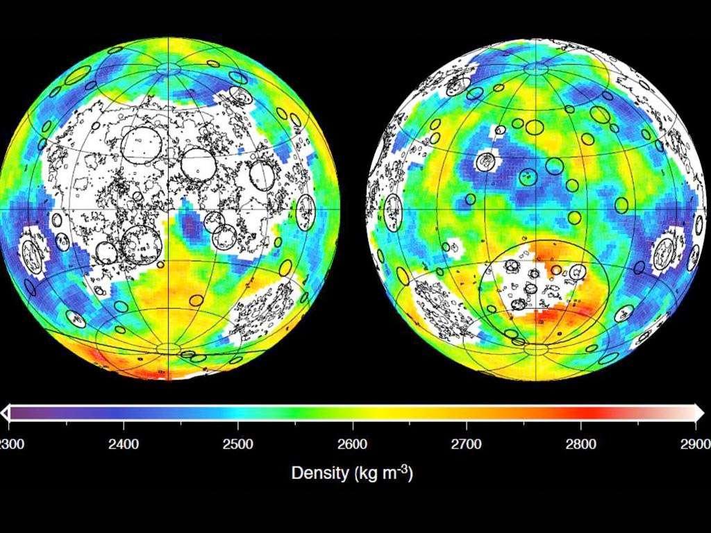 Carte de la densité de la croûte lunaire, en kg/m3. Le rouge correspond aux régions où la densité est la plus élevée au contraire des régions en bleu, moins denses. Les régions blanches contiennent des basaltes marins et n'ont pas été analysées. Une densité plus faible indiquerait une porosité plus grande. © Nasa, ARC, MIT