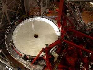 Miroir primaire du LBT, de 8,4 mètres de diamètre Crédit : Large Binocular Telescope Corporation