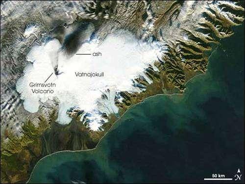 Le dôme de glace du Vatnajökull, en Islande, recèle de nombreuses grottes sous-glaciaires. © Google map, DP