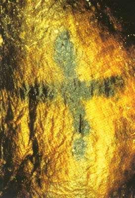 Ötsi - © M. Unterdorfer: rayures sur l'articulation du poignet gauche