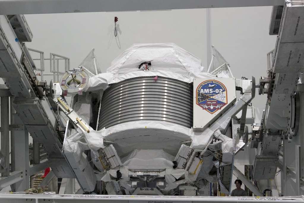 Une vue d'AMS lorsqu'il était encore au Centre spatial Kennedy. © Nasa/Jack Pfaller