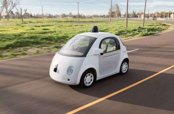 Au cours des 14 derniers mois, Google dit avoir enregistré 341 désengagements durant les essais sur route de ses voitures autonomes. © Google