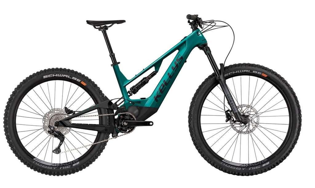L'e-bike Theos F50 de Kellys est disponible en gris anthracite et vert émeraude. © Kellys Bicyles