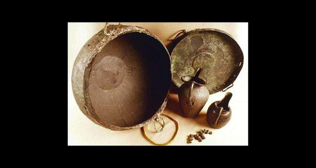 Mobilier funéraire de la tombe princière de Hatten (début Ve siècle av. J.-C.). © André Beauquel - Tous droits réservés, reproduction interdite