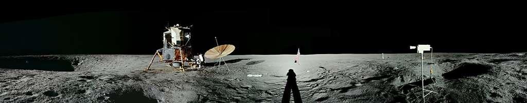 Apollo 12 sur l'Océan des Tempêtes.