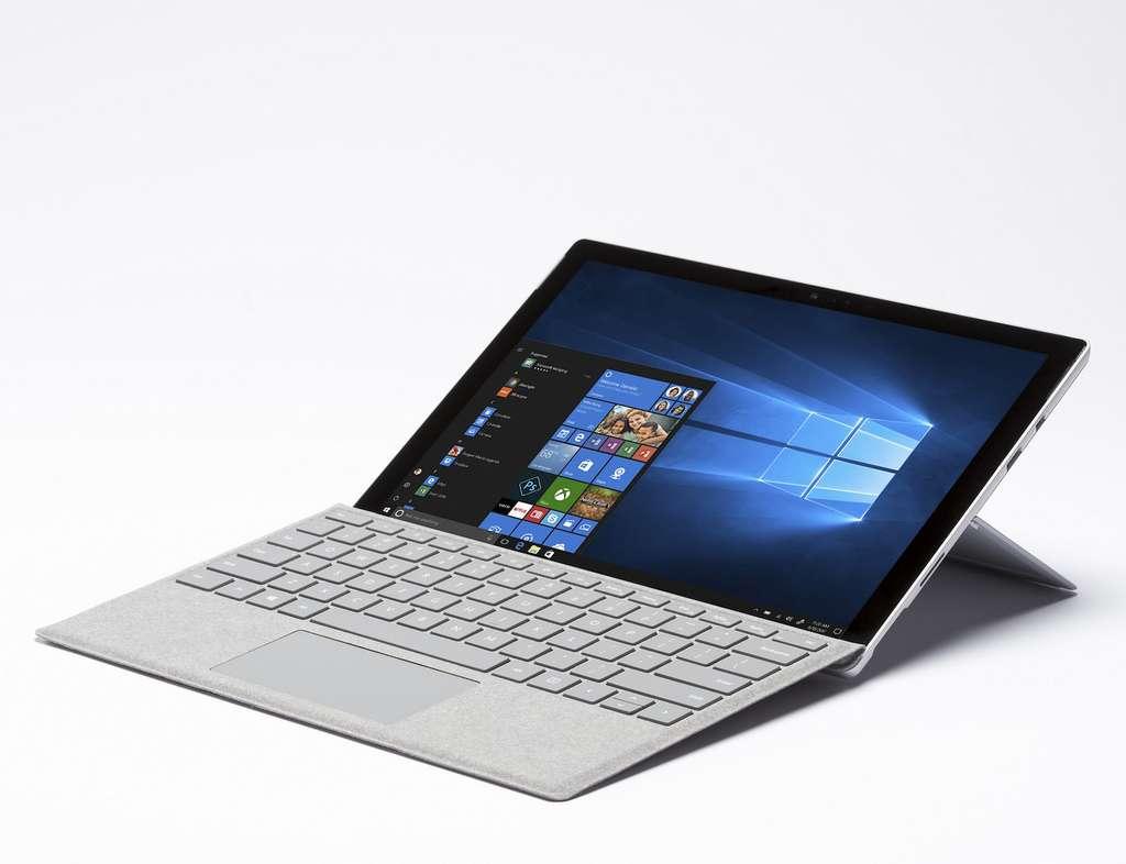 Avec sa Surface, Microsoft a réussi à contenter à la fois les utilisateurs de tablettes et de PC portables. © Microsoft