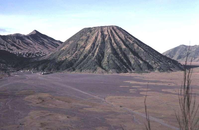 Le volcan Batok, en Indonésie