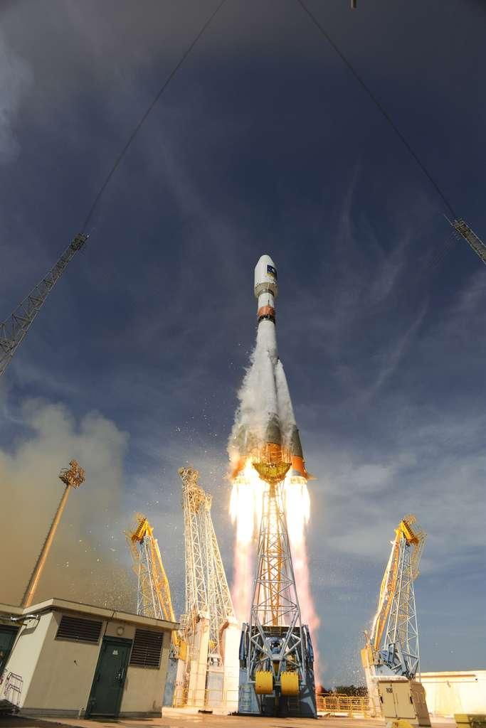 Lancement en juin 2013 des quatre premiers satellites de la constellation O3b par un Soyouz ST depuis Sinnamary. Le lancement de Gaia, par le même lanceur, devra attendre. © S. Corvaja, Esa
