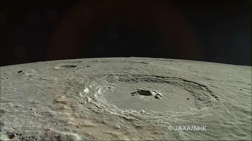Sur la Lune, le cratère Pythagore vu par la sonde Kaguya