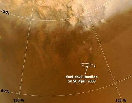 Cette image prise par Mars Reconnaissance Orbiter montre l'ellipse d'atterrissage de Phoenix, de 100 kilomètres de longueur. Au centre de celle-ci sont marqués l'emplacement des deux dust devils photographiés dans l'image suivante. Crédit Nasa/JPL.