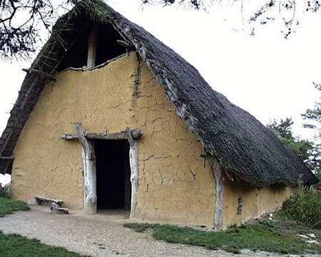 Type de maison du Néolithique. © Académie de Lille