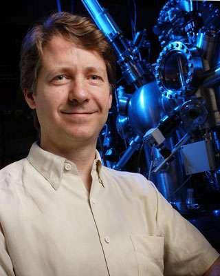 Robert Wolkow dans son laboratoire. © DR