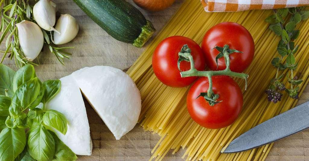 Tomates, mozzarella, basilic : un délicieux plat pour l'été. © Katjasv, CCO
