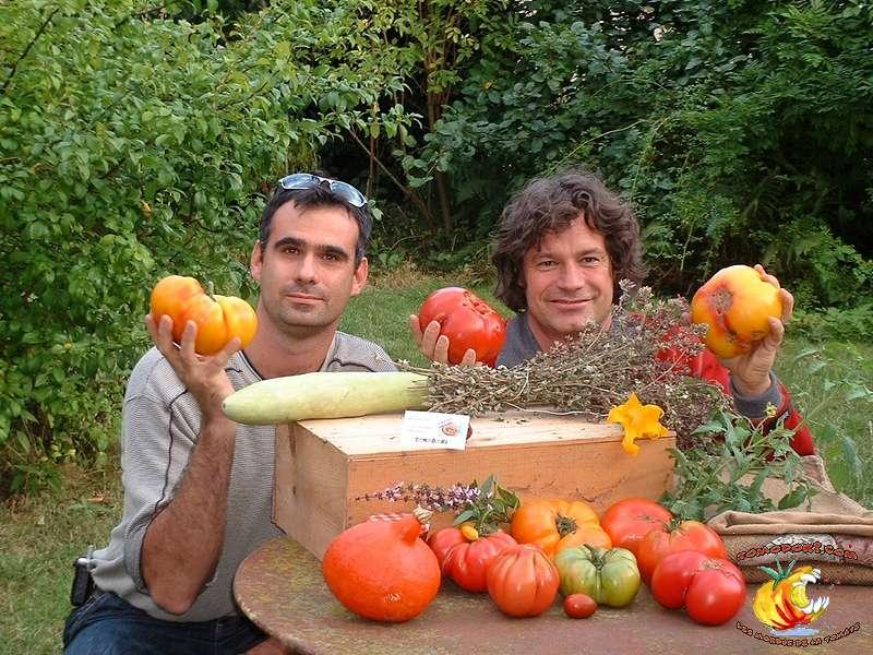 Lionel et Laurent participent au site Tomodori, consacré aux différentes familles de tomates, notamment anciennes. © Tomodori