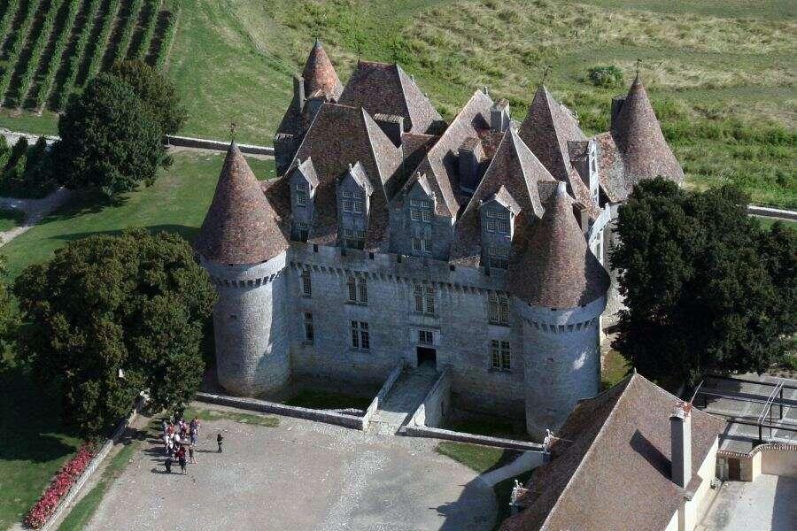 Le château de Monbazillac, en Dordogne, au cœur du vignoble