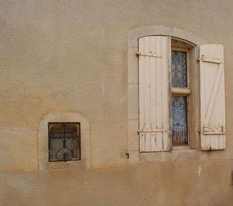 Petite fenêtre du magasin du sel à Germiny en Meurthe et Moselle