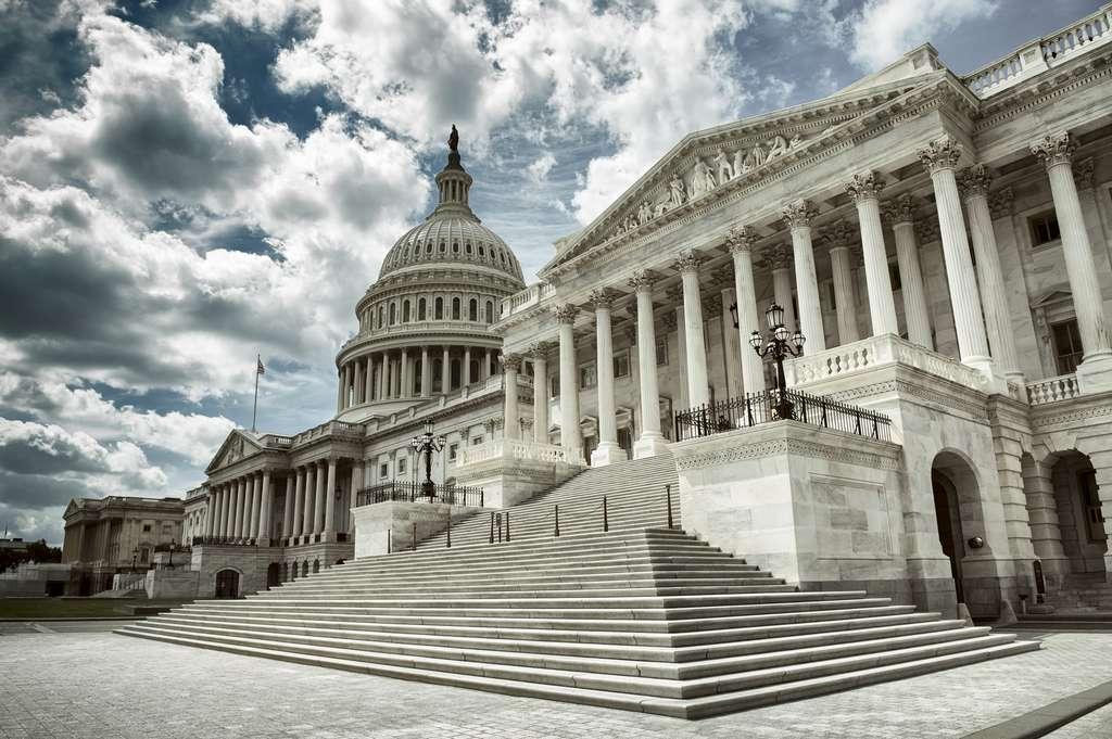 Les gouvernements font des plans de relance, potentiellement néfastes pour le climat. © lazyllama, Adobe Stock