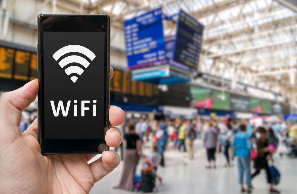 Le Wi-Fi 802.11ax aura pour vocation principale d'améliorer la qualité des connexions sans fil dans les lieux très fréquentés afin que chaque utilisateur dispose d'un débit adapté en fonction de son usage. © Vchalup, Fotolia