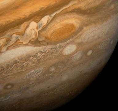 Figure 9 : la Grande Tache rouge de Jupiter. Un exemple de tourbillon anticyclonique qui persiste depuis plus de 300 ans dans les couches supérieures de l'atmosphère turbulente de Jupiter. © DR