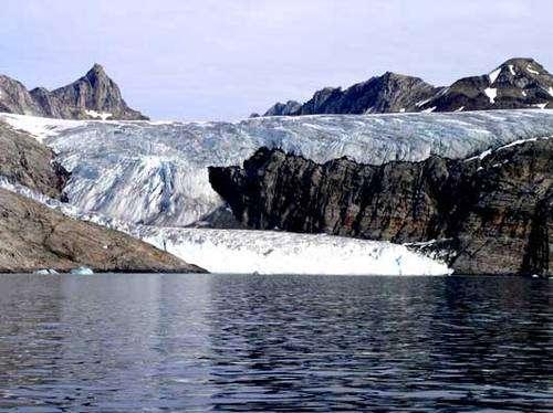 Les expéditions de Janot Lamberton dans les glaciers du Groenland ont permis de réaliser de grandes découvertes géologiques. © DR