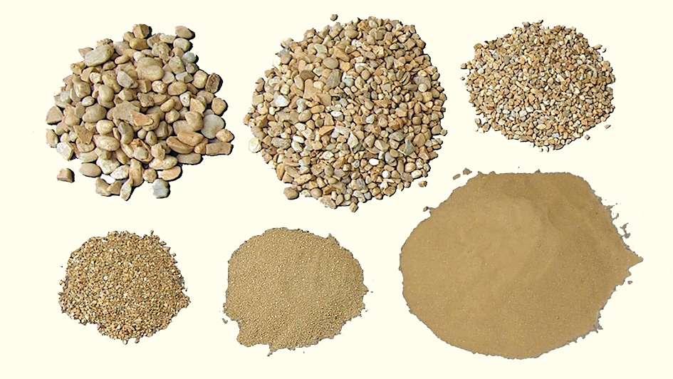Selon François Cointeraux, les meilleures terres à pisé se composent de 0 à 20 % de graviers, de 40 à 50 % de sable, de 20 à 35 % de limon, de 15 à 25 % d'argile. © CRAterre