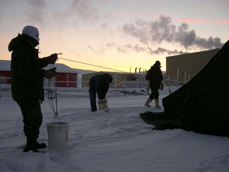 La base militaire permanente d'Alert en 2004, à moins de 900 km du pôle Nord. © Stéphanie Pertuiset - AFP/Archives
